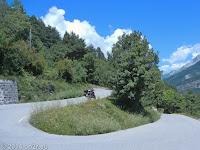 Kurz nach dem Örtchen Saint-Martin-d'Entraunes. Raus aus dem Tal der Var und über den Col des Champs (2087 m) nach Colmars.