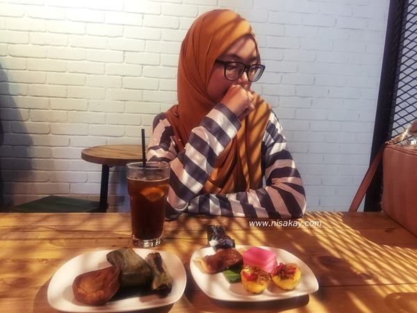 Kueh Cafe 6