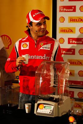 Фелипе Масса на спонсорском мероприятии Shell на Гран-при Абу-Даби 2011