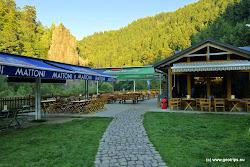 Restaurace Svatošské skály s překrásným výhledem přímo na skalní masív.