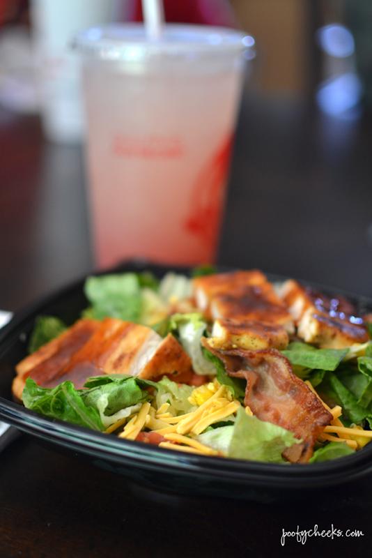 Fast Fresh Lunch - Wendy's BBQ Ranch Chicken Salada