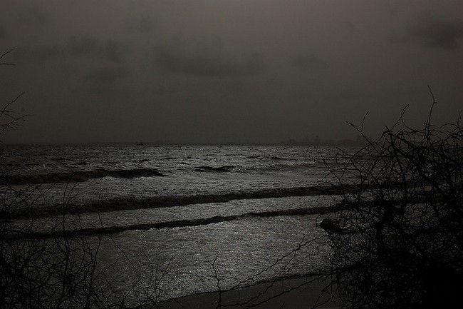 dumas beach gujarat