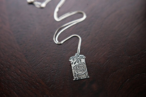 Rose Tyler TARDIS Necklace by Auberg Designs