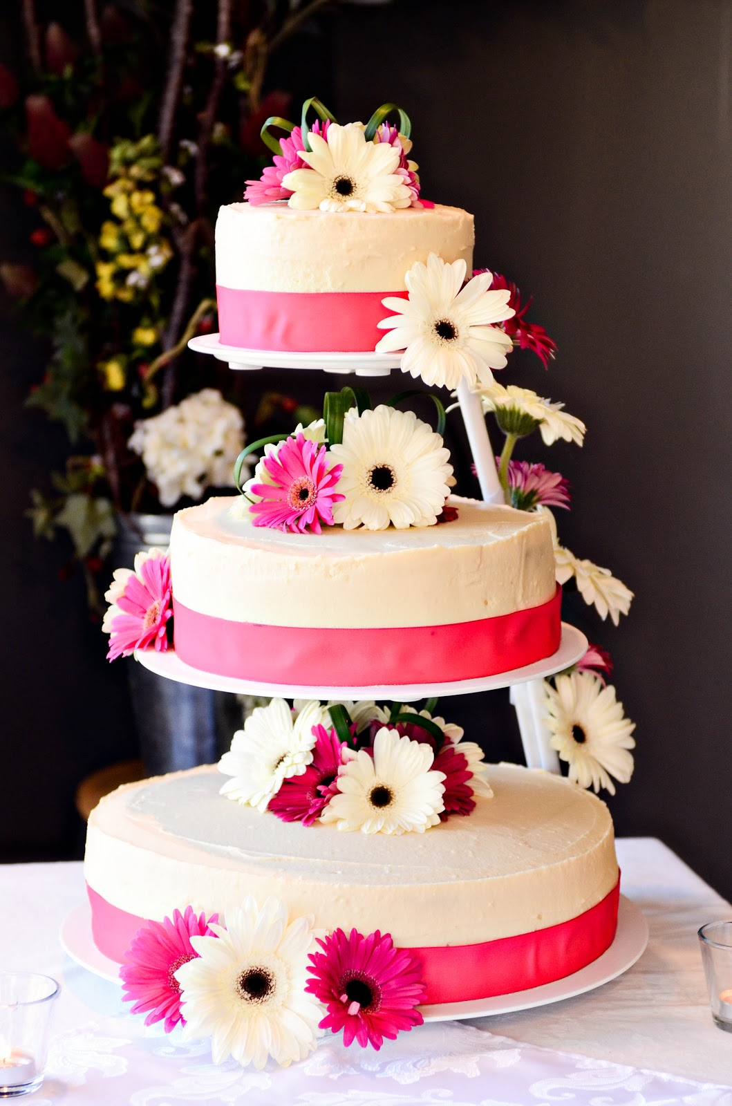 Faking Fancy Wedding Cakes