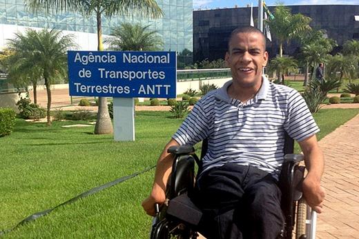 1 - Jovem deficiente supera paralisia cerebral e passa no concurso da ANTT