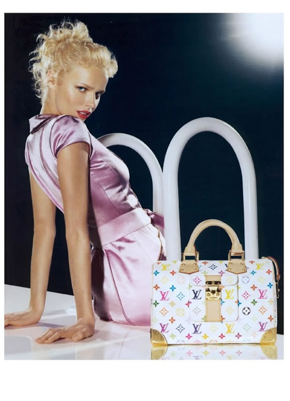 Louis-Vuitton-Murakami-Bag-Campaign-2002