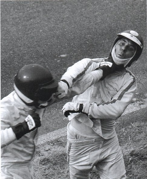 Claudio Francisci и Тино Брамбилла дерутся на трассе Имола 1970