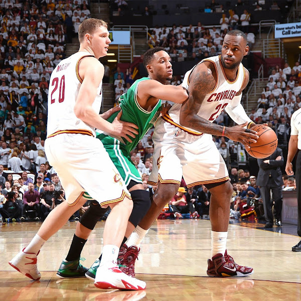 Rare Sighting of LBJ Wearing Unclassified LeBron 12 Elite 8220Team Red8221 PE in Game 2