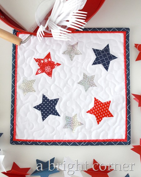 Deco Foil Star Table Topper tutorial