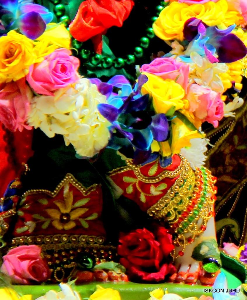 ISKCON Juhu Sringar Deity Darshan 09 Feb 16 (16)