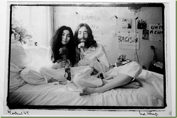 john_lennon_yoko_ono_bed_in_for_peace02