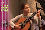 Clara Ballester será una extraordinaria guitarrista. Apuntad bien el nombre. Concentración, disciplina, estudio y arte. Preparándose para el 2º Concurso Internacional de Guitarra Alhambra para Jóvenes