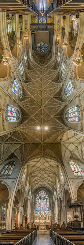 Vertical-Churches-from-around-the-World24__880