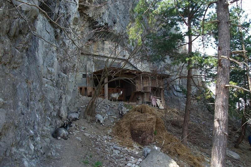 hidden-swiss-bunkers-3