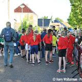 Scholenestafette tijdens Sportweek 2015 Nieuwe Pekela - Foto's Harry Wolterman