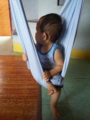 Kerenah budak-budak,Kerenah budak 1 tahun, Umur setahun, http://kanvaskehidupanku.blogspot.com/, adkdayah, anak buah, main buaian, baby comel, anas