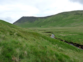 Crossing Mosedale Beck. Its all very green around here!!