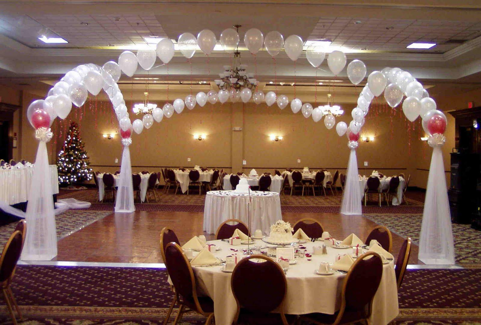 Lovetta 39 s blog expensive wedding reception for Cheap elegant wedding decorations
