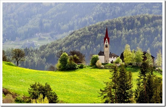 21833-chapel-in-the-mountain-meadow-1920x1200-world-wallpaper