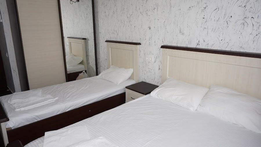 3-местный номер в отеле Афина