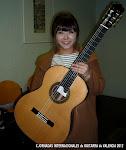 Kyuhee Park toca una guitarra de José Miguel Moreno
