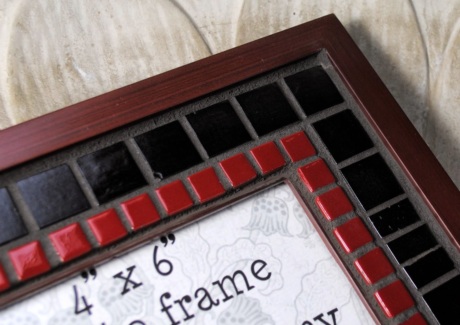 "Maroon & Black Simple 4"" x 6"" Mosaic Photo Frame MOF1383"