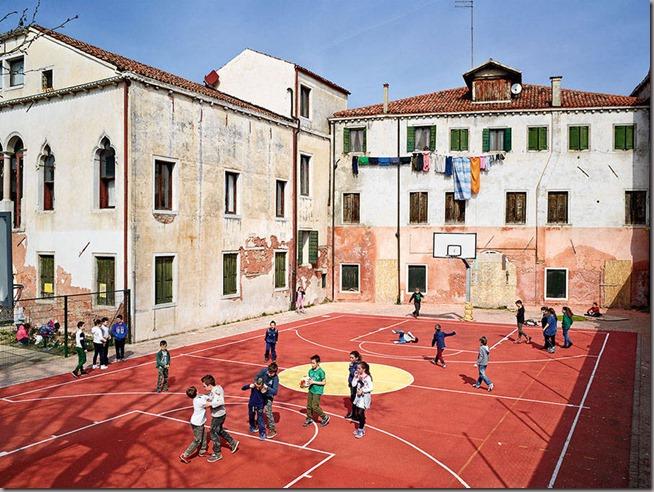 MOLLISON_PLAYGROUND_022_ITALY_Ugo-Foscolo-1-900x676