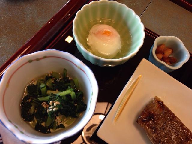 温泉玉子と小松菜の和え物