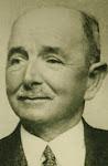 Johannes Marie (Jo) Hulsman geboren op 20-07-1886 in Delft  Beroep: sergeant-majoor administrateur gehuwd met Johanna Maria Sernée