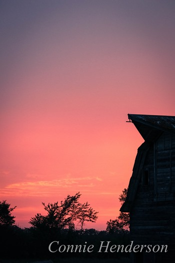 Barn in sunset glow August 31 20-15