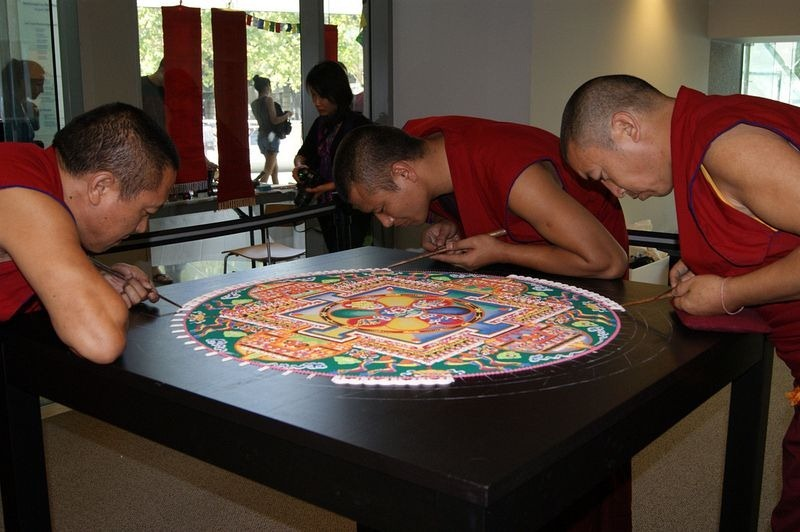 tibetan-sand-mandala-8
