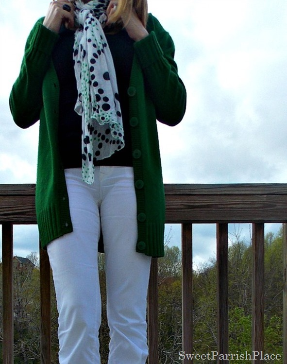White jeans, black tank, green cardigan, black flats2