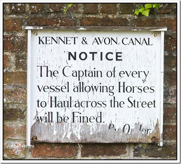 newbury lock sign