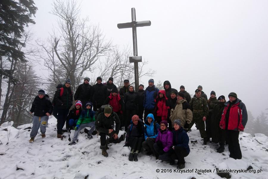 Pierwsze grupy na szczycie Łysicy
