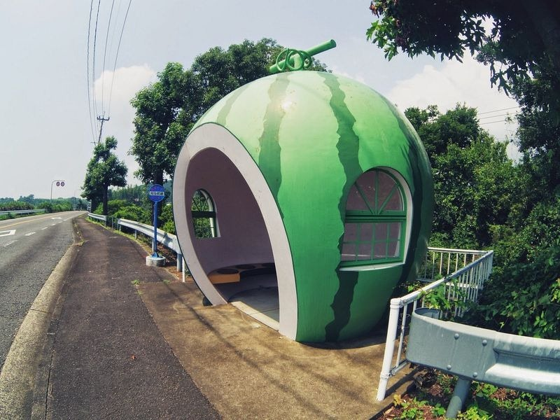 konagai-isahaya-fruit-bus-stops-6