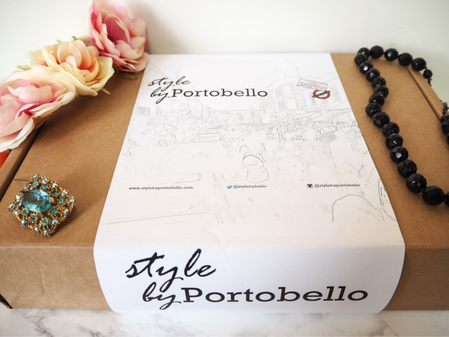 uk-fashion-blog-vintage-fashion-monthly-subscription-box-style-by-portobello-vintage-jewellery-accessories-bag-scarf-portobello-road-market