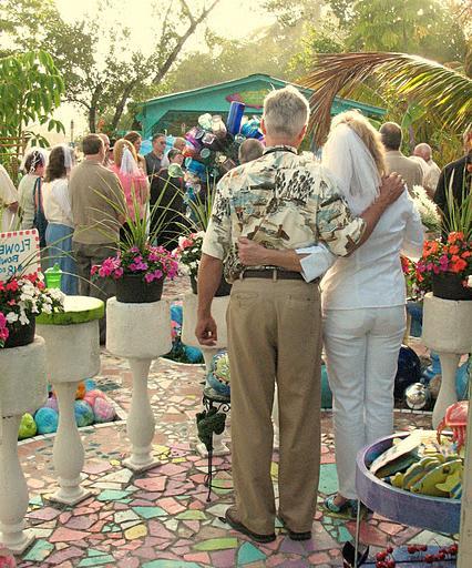 wedding flowers bridal bouquet 10 300x239 hindu wedding card wordings