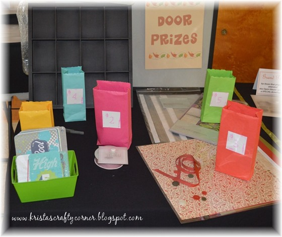2015 Fall Open House_door prizes_DSC_1573