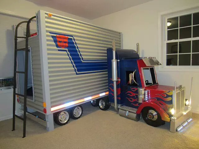 Attractive Check Out This Awesome Optimus Prime Bunk Bed, Complete With Working Head  Lights And Secret Operations Room. Wonder If It Actually Transforms Into A  Robot, ...