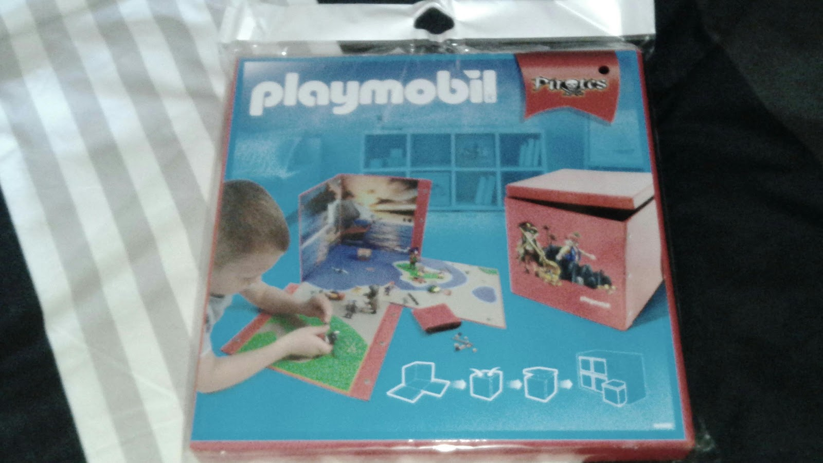 mes 3 loulous bo te de jeu et de rangement playmobil. Black Bedroom Furniture Sets. Home Design Ideas