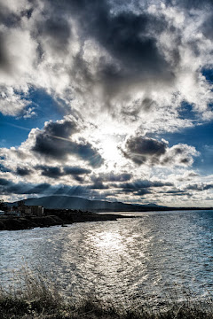 Sun plays over the sea