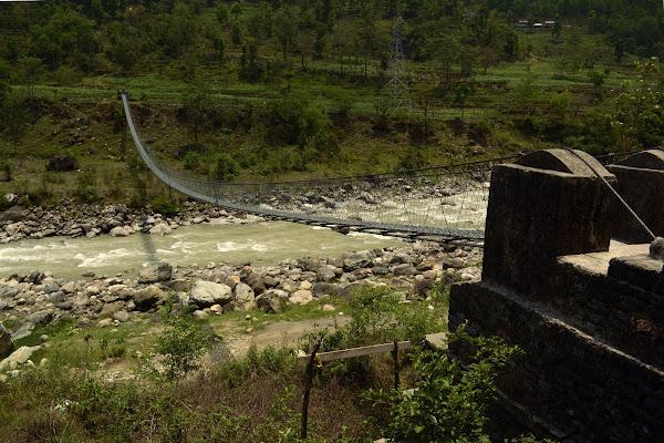 непал река подвесной мост