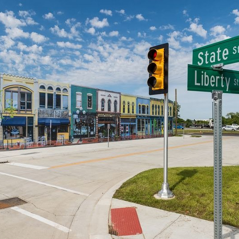 Michigan Builds Fake Town to Test Driverless Cars