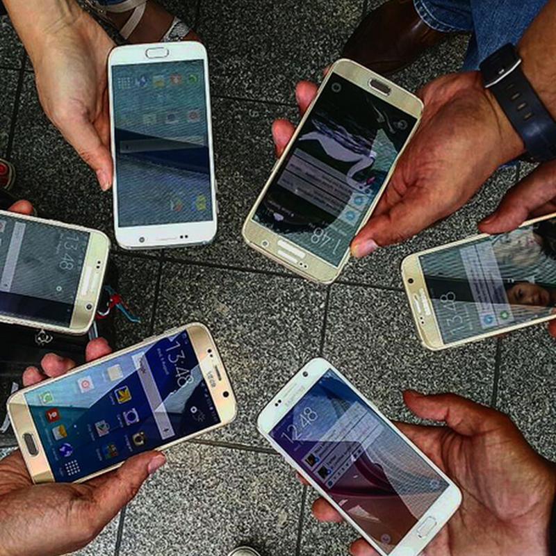 Jari jemari kejang kerap pegang telefon pintar ?
