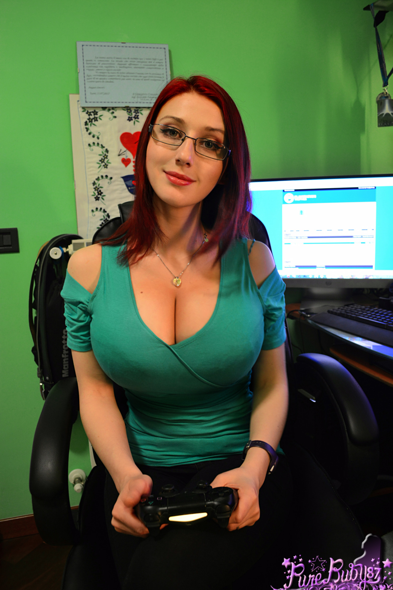 now viewed albums by channel: big tits at work  390556
