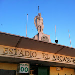 stadion w Kordibie, nosi imię Archanioła Rafaela, patrona miasta