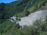 Südrampe des Col de Turini (1607 m) Richtung Sospel.