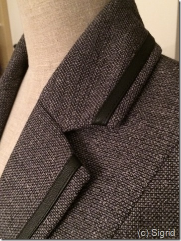 detail collar