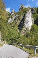 Von Pradegnan hoch zum Passo Praderadego (910m).
