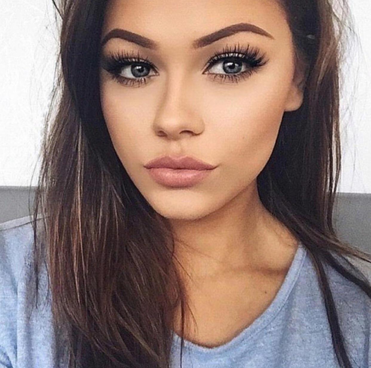 Серые брови у девушек фото